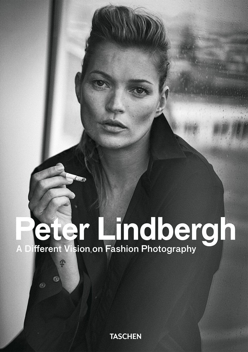 Peter Lindbergh. A Different Vision on Fashion Photography. (Buch ...