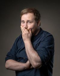 Julius Fischer: Autor, Comedian, Musiker und Moderator. Foto: © Enrico Meyer
